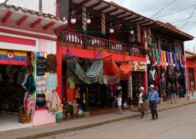 Calle principal del Municipio de Ráquira